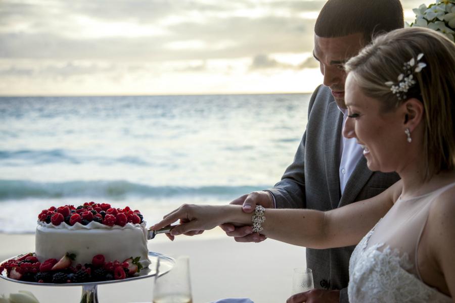 Cake Cutting in Mahe Seychelles
