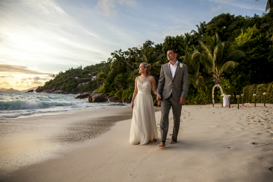 Beach Elopement in Seychelles